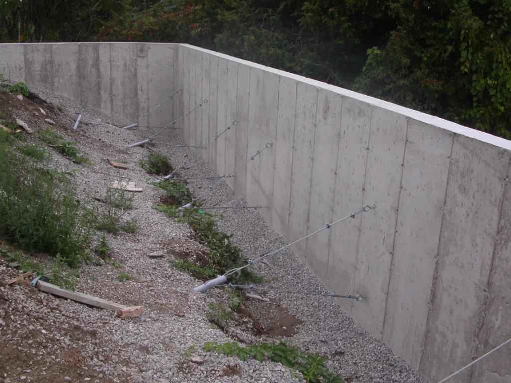 Concrete retaining wall design and installation buchheit for Concrete block walls design